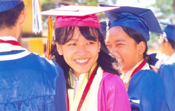 học bổng khuyến khích học tập tiếng anh là gì